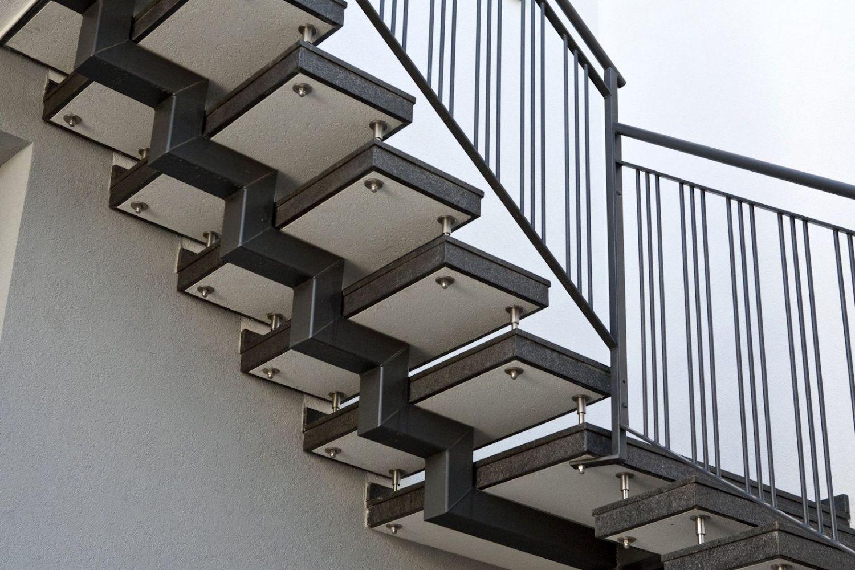 Scala esterna a sbalzo in due rampe parallele e granito - Scale esterne in ferro ...