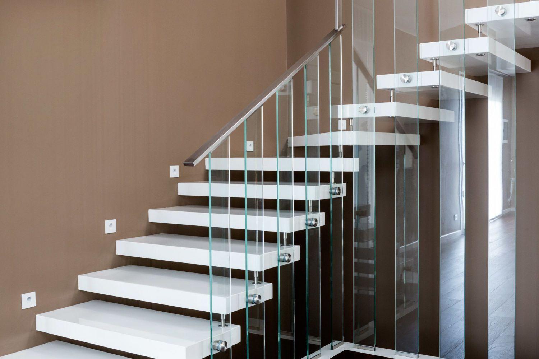 Scale a giorno per interni moderne e su misura in quarzo vetro legno - Scale esterne prefabbricate ...